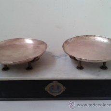 Antigüedades: BALANZA DE MARMOL, BASCULA VINTAGE ANTIGUA. Lote 37783814