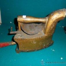 Antigüedades: PLANCHA DE CARBON ANTIGUA. Lote 38292865