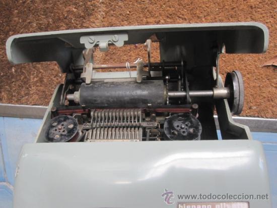 Antigüedades: ANTIGUA SUMADORA ELECTRICA HISPANO OLIVETTI AÑOS 60 - FALTA CABLE ALIMENTACION, 13 kg, + info - Foto 4 - 38408867