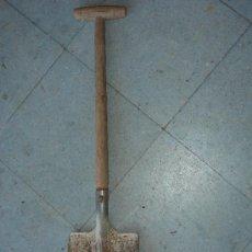 Antigüedades: PEQUEÑA PALA DE 71 CM DE LONGUITUD TOTAL. Lote 38431578