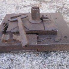 Antigüedades: CERRADURA DE PORTON. Lote 38699360
