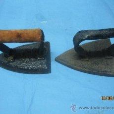 Antigüedades: ETNOGRAFICA PLANCHA ANTIGUA DE HIERRO MAZIZO DE CARBON PLANCHAS. Lote 38591006