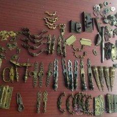 Antigüedades: MAGNIFICO LOTE DE MAS DE 150 PIEZAS DE TIRADORES, CLAVOS, PESTILLOS, ETC.. Lote 38673934