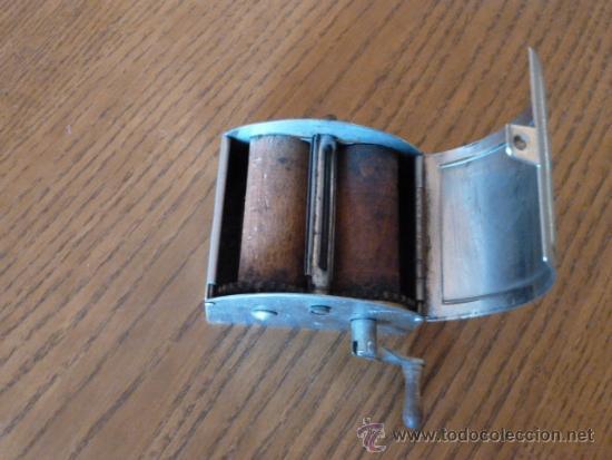 Antigüedades: Rara Maquina afilar cuchillas afeitar - Foto 2 - 38745681