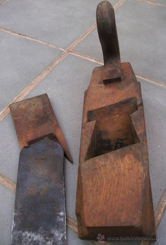 Antigüedades: cepillo de carpintero / garlopa con guia en base (30x10cm aprox) - Foto 7 - 38762307