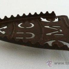 Antigüedades: BASE PORTA PLANCHAS AÑOS 60. Lote 38851443