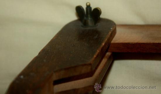 Antigüedades: ANTIGUO COMPAS EN MADERA Y HIERRO FORJADO,CRO QUE ES DE CARPINTERO,51 cm DE LARGO - Foto 2 - 38910930