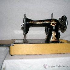 Antigüedades: MAQUINA DE COSER ALFA DE 1930. Lote 38950204