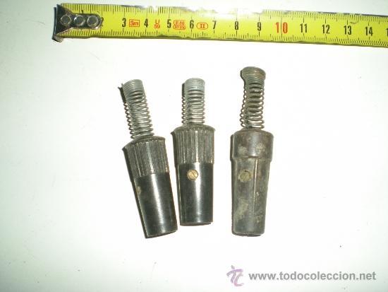 ANTIGUAS CLAVIJAS DE PLANCHA ELECTRICAS DE BAQUELITA MUY BUSCADAS SON 3 EN TOTAL (Antigüedades - Técnicas - Planchas Antiguas - Eléctricas)
