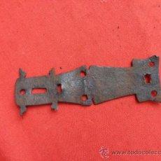 Antigüedades: PEQUEÑA BISAGRA DE FORJA B-44. Lote 39000294