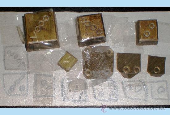 Antigüedades: BALANZA ARTESANAL FINALES SIGLO XIX CON SU JUEGO DE PESAS Y ESTUCHE A MEDIDA MANUAL. 18 x 7 cm. - Foto 4 - 38298767