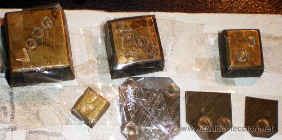Antigüedades: BALANZA ARTESANAL FINALES SIGLO XIX CON SU JUEGO DE PESAS Y ESTUCHE A MEDIDA MANUAL. 18 x 7 cm. - Foto 5 - 38298767