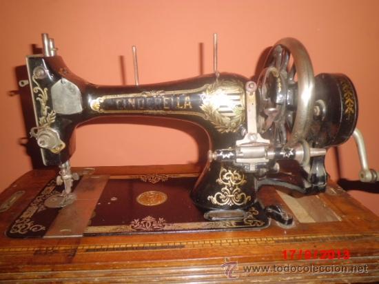 Antigüedades: MAQUINA DE COSER ANTIGUA DE LA MARCA CINDERELLA CON Nº DE SERIE 779531 - Foto 6 - 39090072