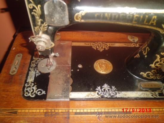 Antigüedades: MAQUINA DE COSER ANTIGUA DE LA MARCA CINDERELLA CON Nº DE SERIE 779531 - Foto 2 - 39090072
