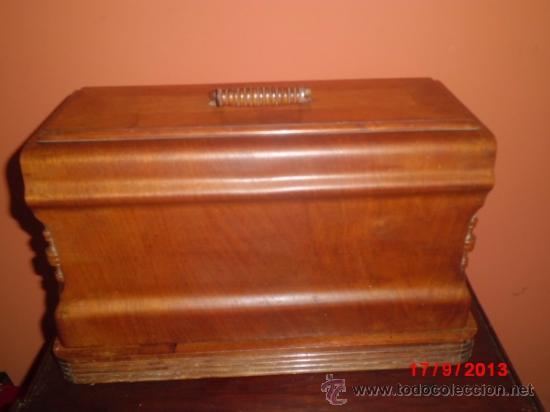 Antigüedades: MAQUINA DE COSER ANTIGUA DE LA MARCA CINDERELLA CON Nº DE SERIE 779531 - Foto 8 - 39090072