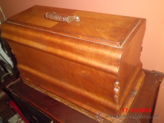 Antigüedades: MAQUINA DE COSER ANTIGUA DE LA MARCA CINDERELLA CON Nº DE SERIE 779531 - Foto 10 - 39090072