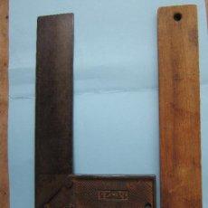 Antigüedades: 2 ANTIGUAS ESCUADRAS DE CARPINTERO UNA DE METAL OTRA DE MADERA - VER FOTOS. Lote 39152076