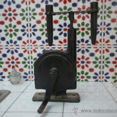 Antigüedades: CENTRIFUGA MANUAL COMPLETA, EN MUY BUEN ESTADO DE CONSERVACIÓN. Lote 39186118