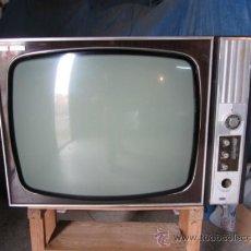 Antigüedades: TELEVISOR DUBLIN. Lote 39270158