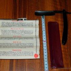Antigüedades: NAVAJA AFEITAR SOLINGEN GERMANY 66 CON CERTIFICADO DE GARANTIA Y FUNDA VER FOTOS. Lote 40995850