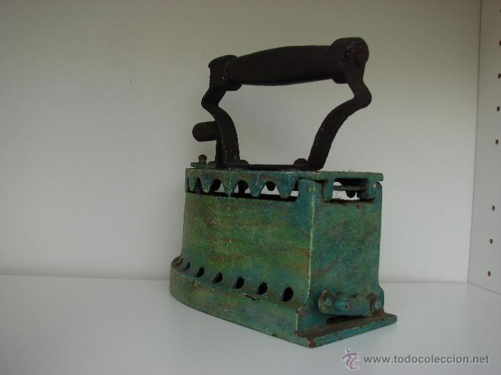 Antigüedades: ANTIGUA PLANCHA DE CARBON. PINTADA DE COLOR VERDE - Foto 3 - 39574835