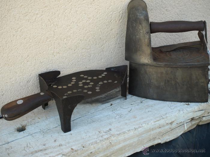 Antigüedades: PLANCHA hierro. C 1900. TRESPIES hierro y madera. - Foto 3 - 39598943