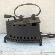 Antigüedades: PLANCHA HIERRO. C 1900. TRESPIES HIERRO FUNDIDO.. Lote 39599074