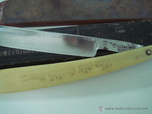 Antigüedades: navaja de afeitar diamante cachas de hueso y correa asentador de barbero - Foto 4 - 39643494