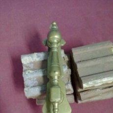 Antigüedades: ALDABA LLAMADOR FUNDIDO EN BRONCE.PICAPORTE. Lote 39679997