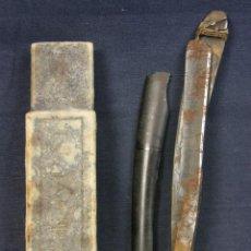 Antigüedades: NAVAJA AFEITAR CACHAS DE BAQUELITA NEGRA TULA 600 SOLINGEN. Lote 39750333