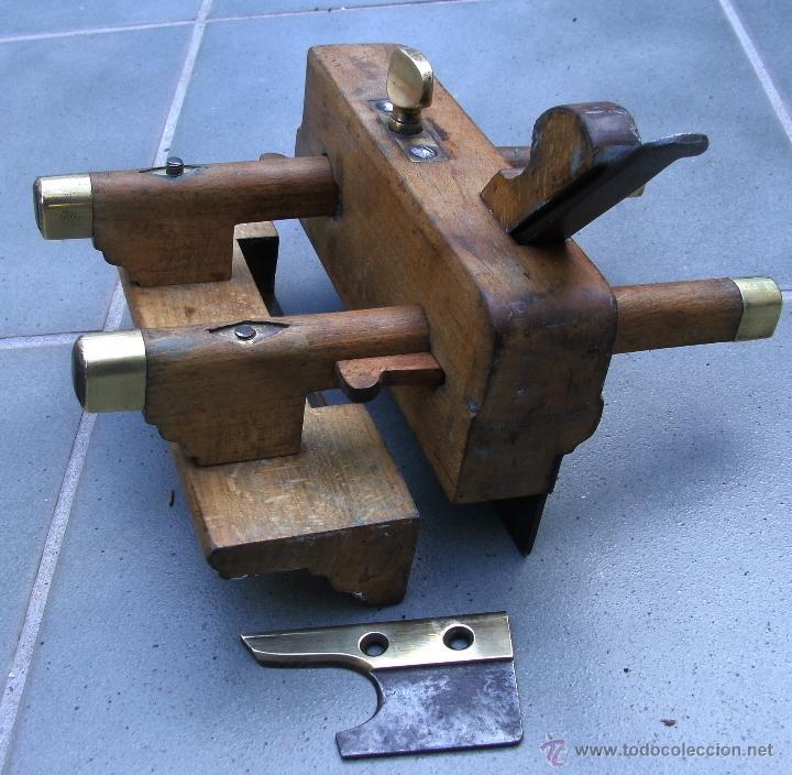 Antigüedades: cepillo/acanalador de carpintero, con 2 guias, fabricante w,greenslade, bristol, princ XX aprox - Foto 3 - 39965668