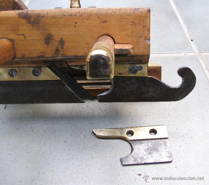 Antigüedades: cepillo/acanalador de carpintero, con 2 guias, fabricante w,greenslade, bristol, princ XX aprox - Foto 5 - 39965668