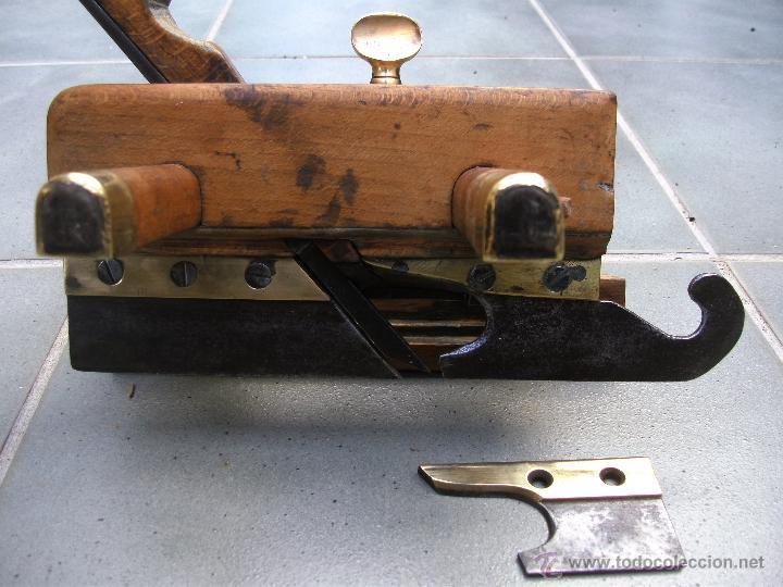 Antigüedades: cepillo/acanalador de carpintero, con 2 guias, fabricante w,greenslade, bristol, princ XX aprox - Foto 6 - 39965668