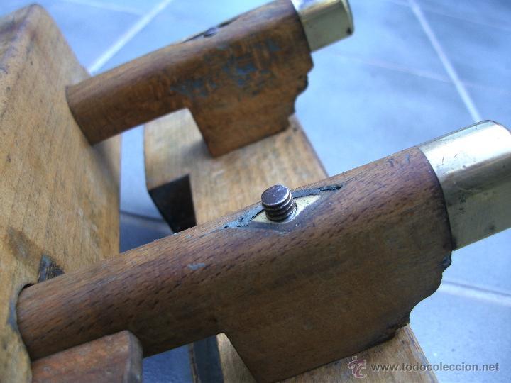 Antigüedades: cepillo/acanalador de carpintero, con 2 guias, fabricante w,greenslade, bristol, princ XX aprox - Foto 8 - 39965668