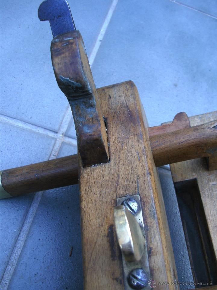 Antigüedades: cepillo/acanalador de carpintero, con 2 guias, fabricante w,greenslade, bristol, princ XX aprox - Foto 9 - 39965668