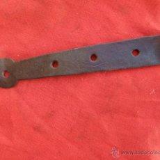 Antigüedades: ANTIGUA BISAGRA DE FORJA B-76. Lote 40042828