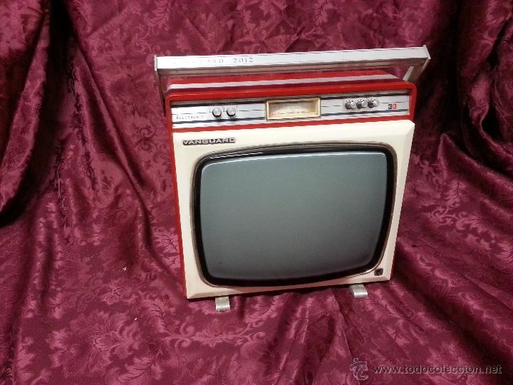 ANTIGUA TELEVISION PORTATIL VANGUARD 2012. FABRICADA EN ESPAÑA (Antigüedades - Técnicas - Varios)