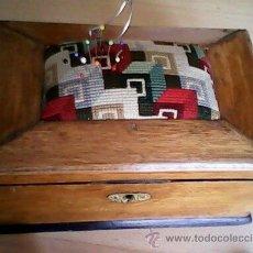 Antigüedades: ANTIGUA CAJA DE CASAMENTO TRADICION SUIZATODA EN MADERA MACIZA HECHA A MANO AÑOS 40,50.ESTA PERFECTA. Lote 40376848