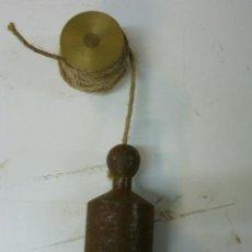 Antigüedades: PLOMADA DE ALBAÑIL. Lote 40385324