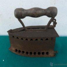 Antigüedades: PLANCHA DE CARBON. Lote 40410042
