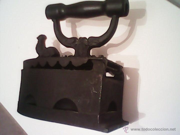 Antigüedades: ANTIGUA PLANCHA A CARBON EN MUY BUEN DE LOS AÑOS 30.40. - Foto 6 - 186062148