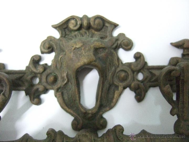 Antigüedades: TIRADOR - MANILLA - DE BRONCE - 15 X 7 - CABEZAL DE LEON CON BOCALLAVE - Foto 2 - 40519154