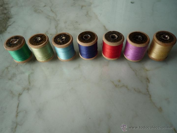 Antigüedades: 7 antiguos carretes bobinas madera. Hilo para bordar. Diferentes colores *FABRA Y COATS* Barna - Foto 3 - 40647576
