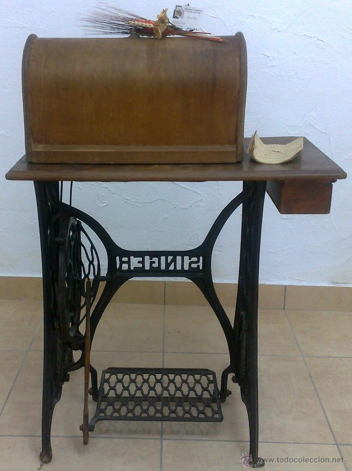 Antigüedades: COMPLETA Y ANTIGUA MAQUINA DE COSER SINGER. - Foto 3 - 40651541