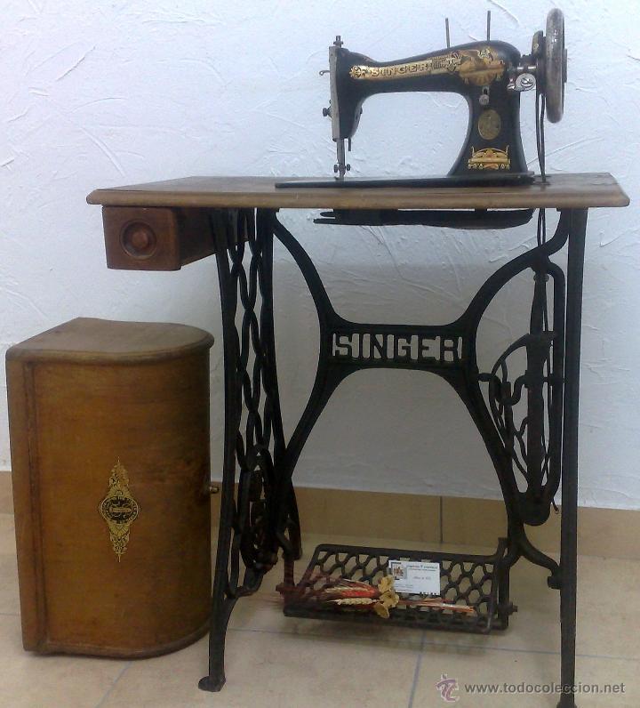 Antigüedades: COMPLETA Y ANTIGUA MAQUINA DE COSER SINGER. - Foto 7 - 40651541