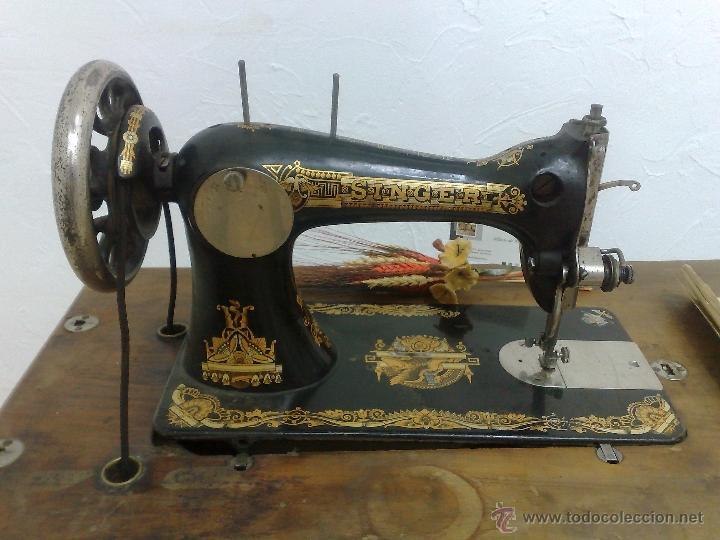 Antigüedades: COMPLETA Y ANTIGUA MAQUINA DE COSER SINGER. - Foto 9 - 40651541
