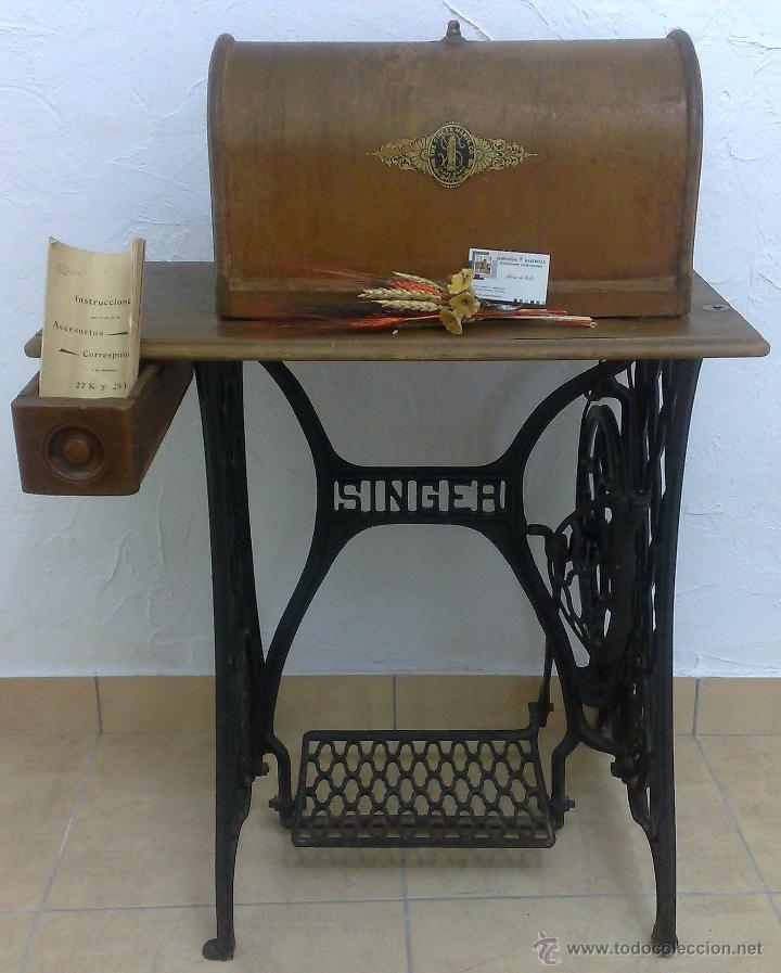 Antigüedades: COMPLETA Y ANTIGUA MAQUINA DE COSER SINGER. - Foto 14 - 40651541