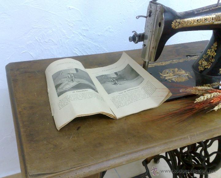 Antigüedades: COMPLETA Y ANTIGUA MAQUINA DE COSER SINGER. - Foto 20 - 40651541