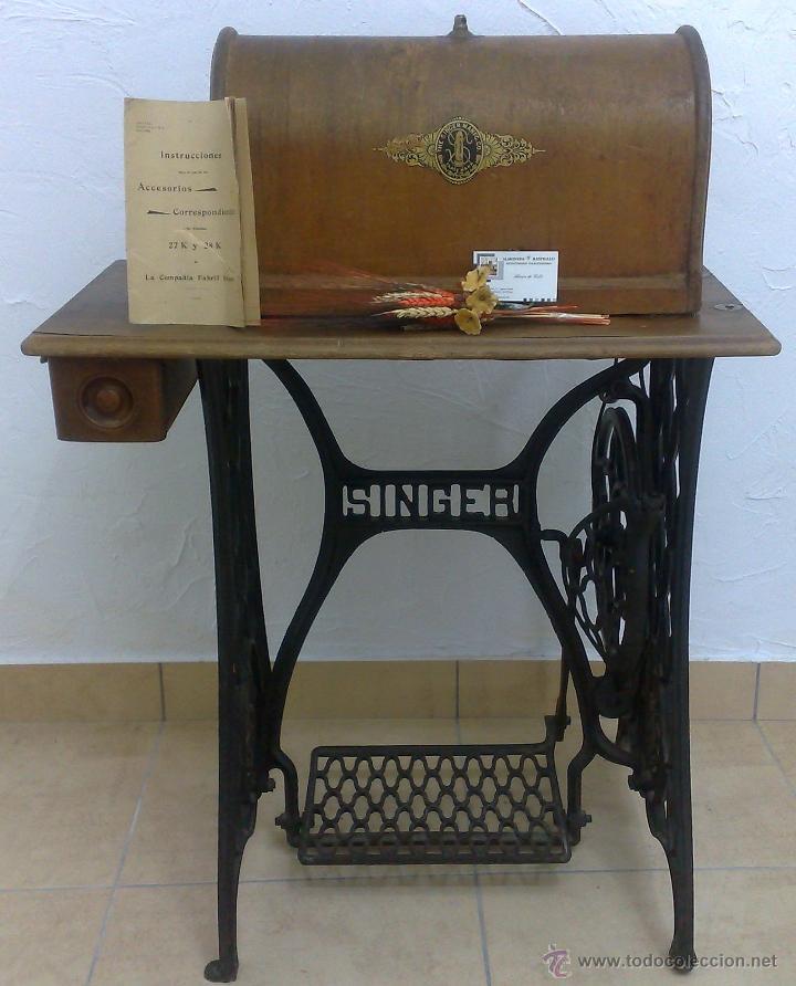 Antigüedades: COMPLETA Y ANTIGUA MAQUINA DE COSER SINGER. - Foto 21 - 40651541