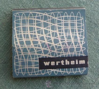 Antigüedades: caja cartón tipo cerillero con aperos de la maquina de coser wertehim - Foto 2 - 40677282